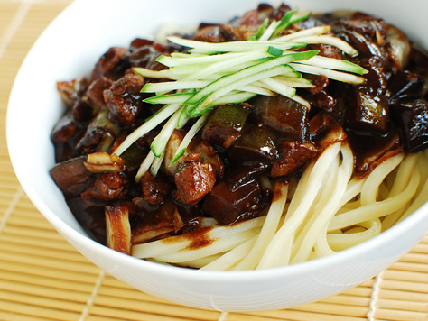 Jajangmyeon noodles in black bean sauce korean food gallery comfort food at its best submitted by korean mom forumfinder Images