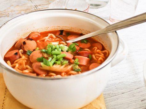 Soups stews korean food gallery discover korean food recipes budae jjigae korean army stew forumfinder Images